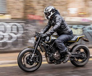 XSR700 Yard Built « Double-style » par Rough Crafts